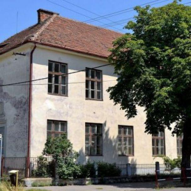 Historické budovy
