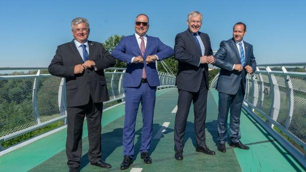 Cyklomost slobody sa stal miestom stretnutia pre rokovanie s krajinským radcom Dolného Rakúska