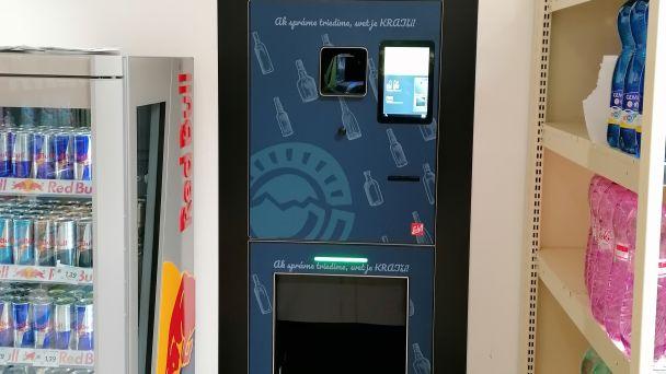 Automat na zber PET fliaš a plechoviek